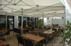 galerie - terrasse café cannes - tente pliante