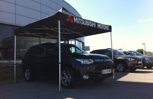 Références - Mitsubishi Quicktent Tivoli, tonnelle pliante, tente pliante, barnum pliant